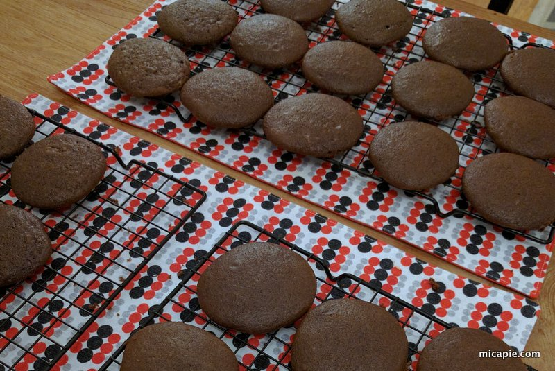 baked whoopie pie tops