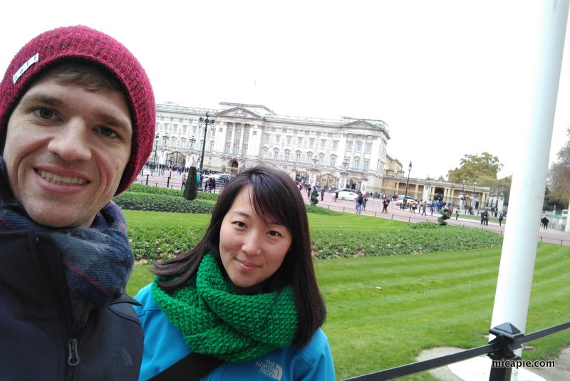 Buckingham palace selfie